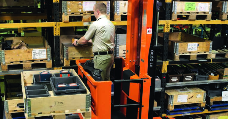 Optio order picker with optipace in warehouse