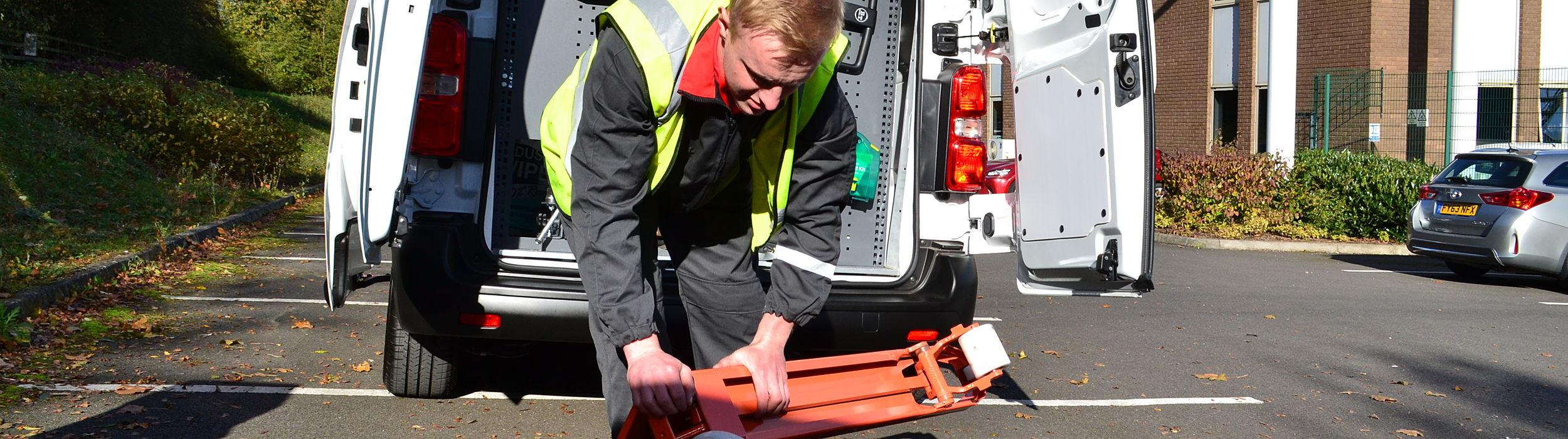hand pallet truck specialist