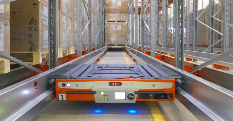 Radioshuttle in a specialised racking