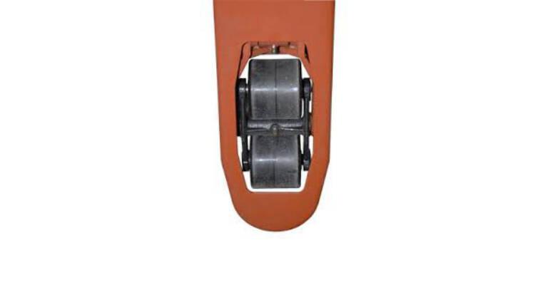 rodas e garfos de porta paletes manual