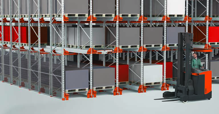Aisle-free pallet racking with BT Radioshuttle