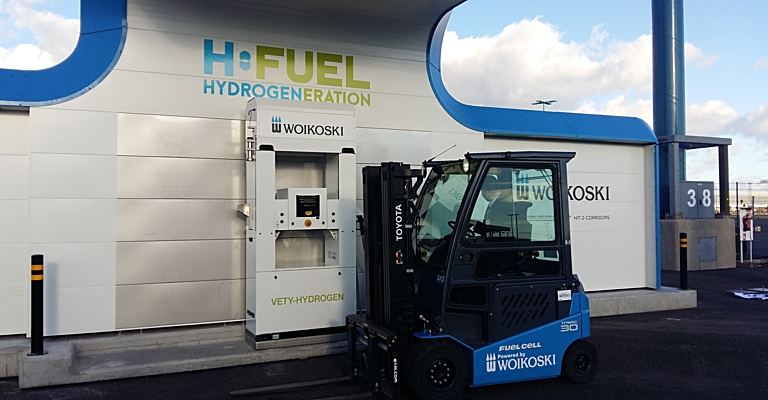 Blue hydrogen truck