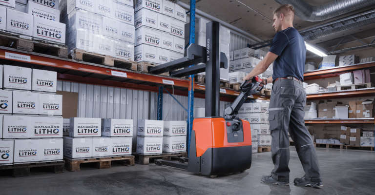 Powered pallet stacker BT Staxio from Toyota. Buy online!