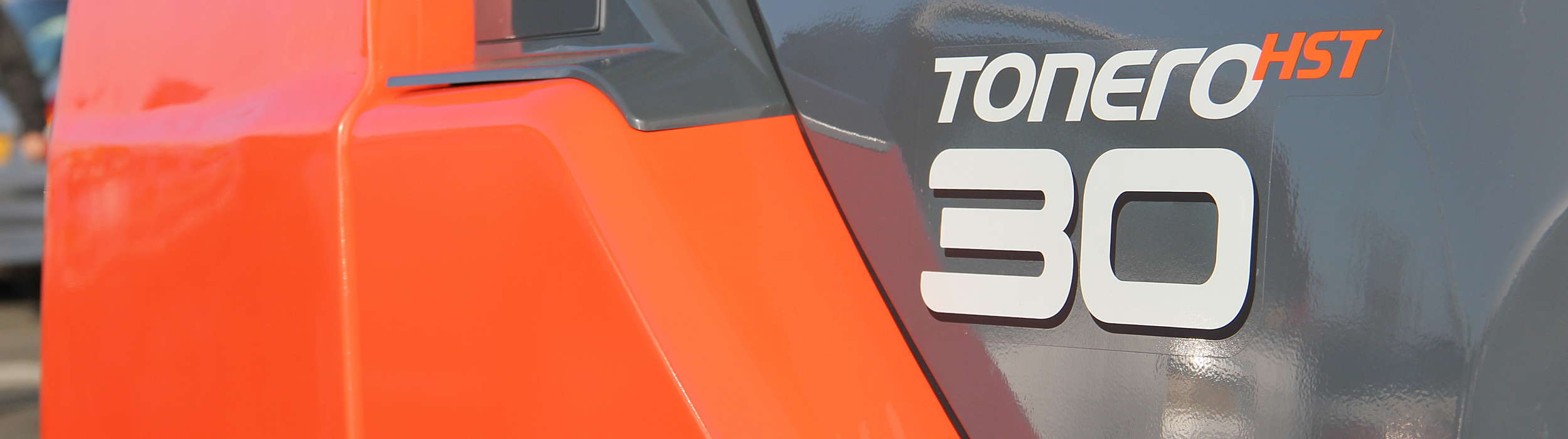 Close up on Tonero logo on truck