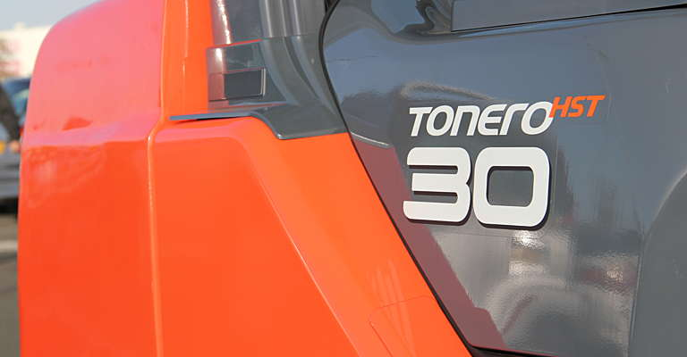 Nahaufnahme des Tonero Logos am Gerät