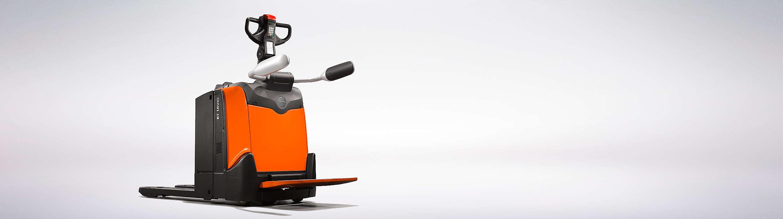 Die Niederhubwagen der BT Levio P-Serie zeichnen sich durch hohe Leistungsfähigkeit und Geschwindigkeit aus.