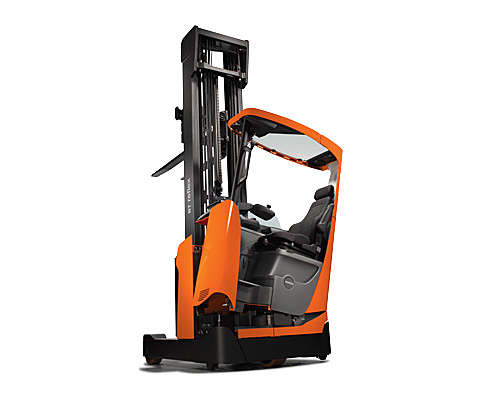 Reach truck with tilting cab