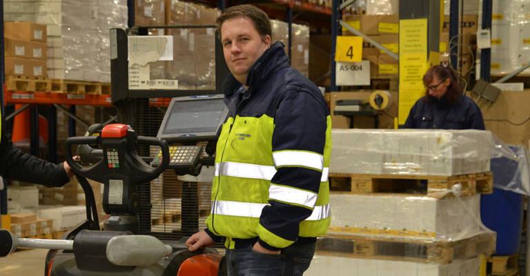 14 nye Lithium-ion-drevne lagertruck hos H.P. Therkelsen i Padborg