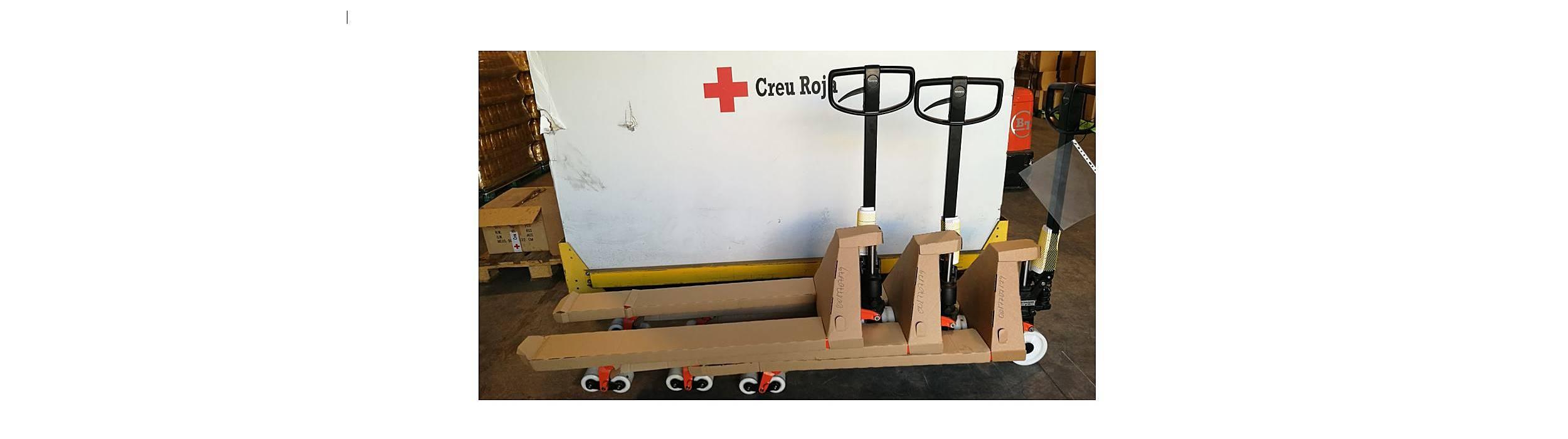 transpaletas manuales en cruz roja
