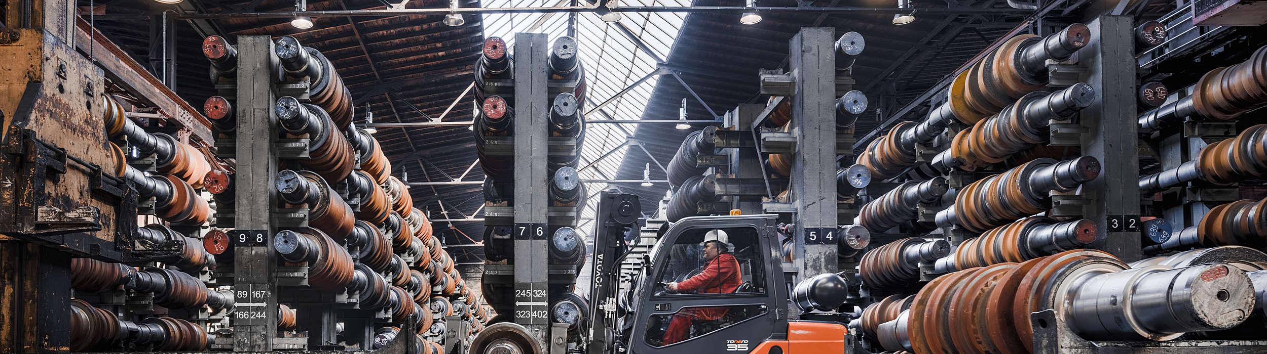 HST Tonero engine-powered forklift truck