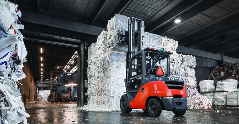 Toyota Tonero counterbalance used in recycling industry
