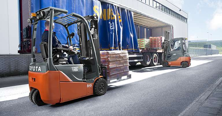 Engine-powered forklift loading goods
