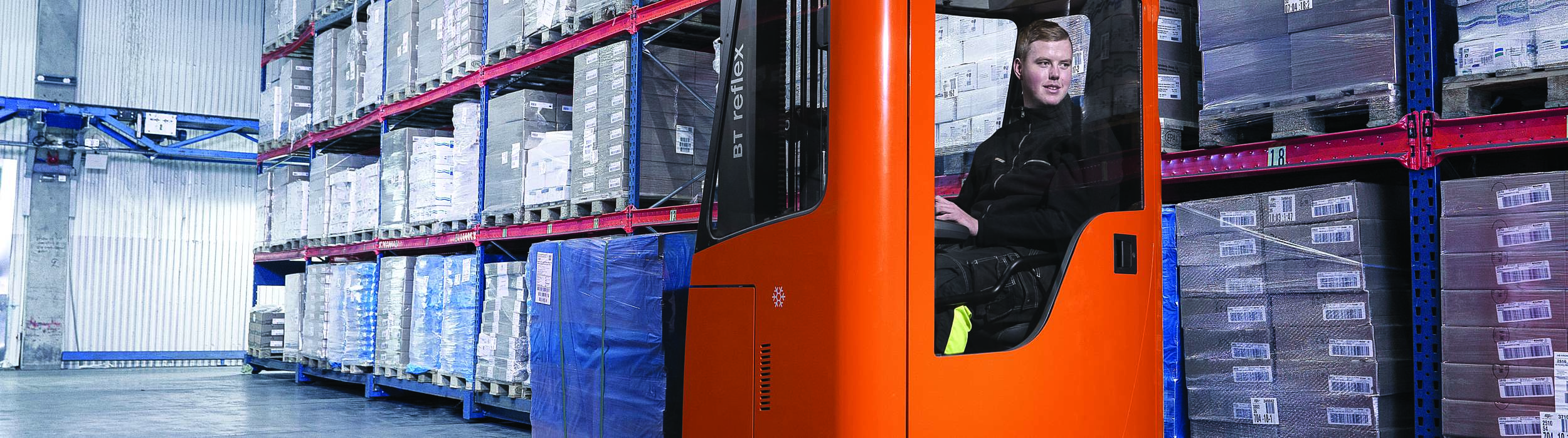 Cold store specification reach truck