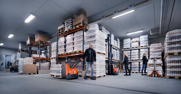 Choosing The Right Forklift Trucks For Retail warehouse