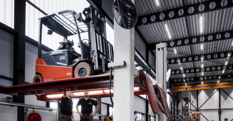 forklift repair service by Toyota